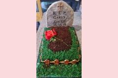 7-Grave-Cake